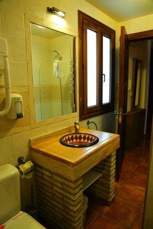 Arte Vida Suites & Spa : Bathroom