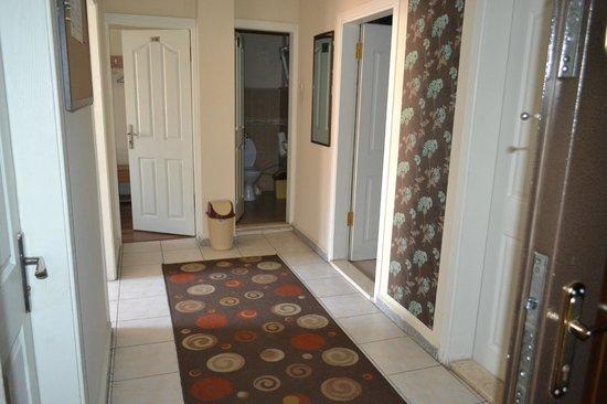 Second Home Hostel: Common floor