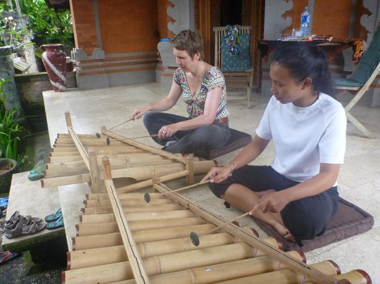 Bali Homestay Cepaka: Gamelan music introduction