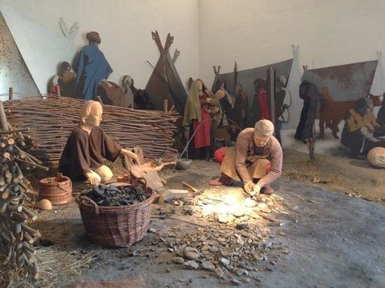 Ribe Vikinge Center: Viking craftsman.
