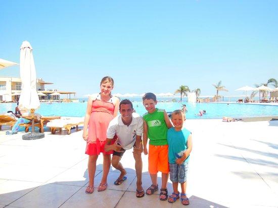 Cleopatra Luxury Resort Sharm El Sheikh : the best pool man ever- meemo!!!!