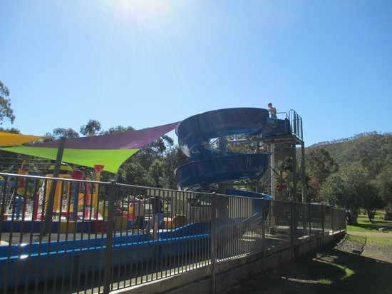 Big4 Cania Gorge Holiday Park: waterslide