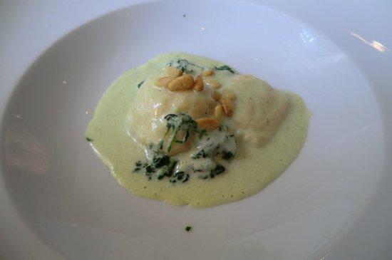 Landhaus Dill: Ravioli mit Lachsmousse