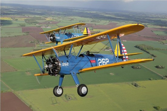 Peccioli, Italien: Stearman Formation Flight