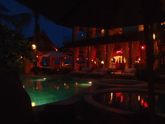 Zazen Boutique Resort & Spa: piscine et resto