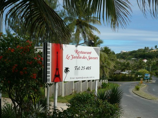 Signe board outside picture of restaurant le jardin des for Restaurant le jardin des saveurs