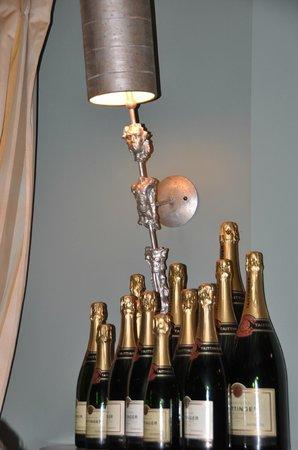 The Bildeston Crown: We didn't drink all these!