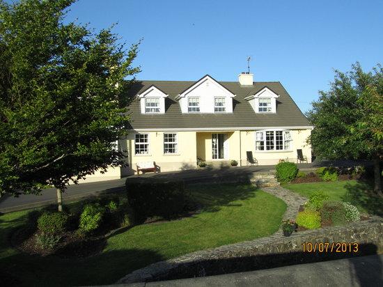 belle maison et jardin spendide - Picture of Bridgeburn House ...