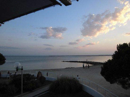 Belambra Clubs - Les Rives de Thau : Vue depuis la terrasse du restaurant