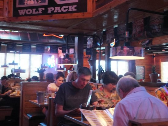 Texas Roadhouse: Interior