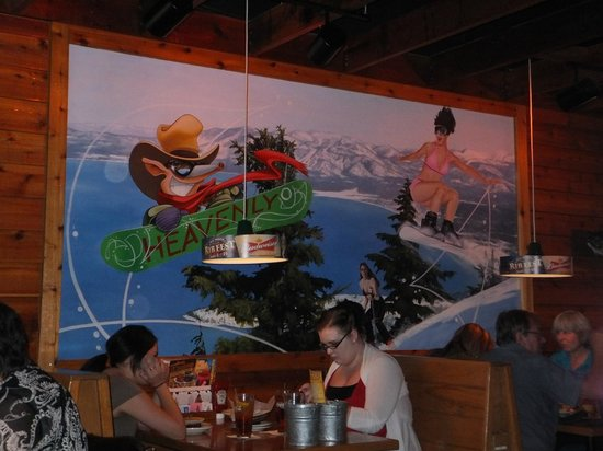 Texas Roadhouse: Love this wall decor