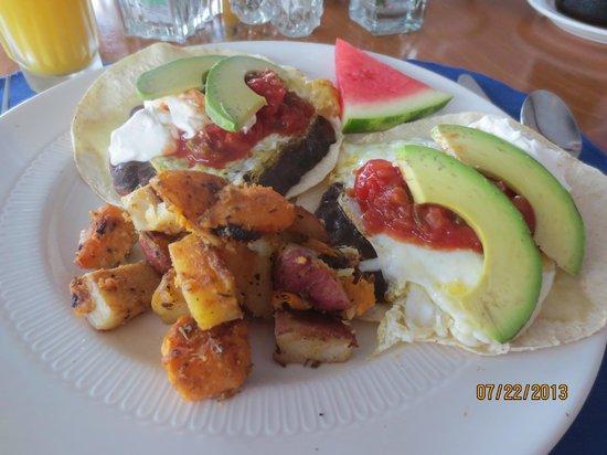 Fisherman's Wharf Inn Restaurant : huevos rancheros