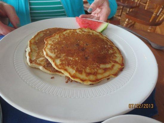 Fisherman's Wharf Inn Restaurant : blueberry pancakes