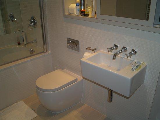 The Lawrance York: our bathroom