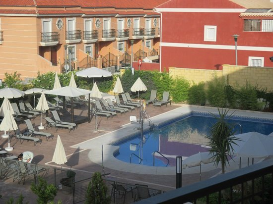 Hotel Mencia Subbetica: Piscina