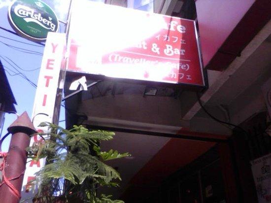 Yeti Cafe Restaurant and Bar : entrance