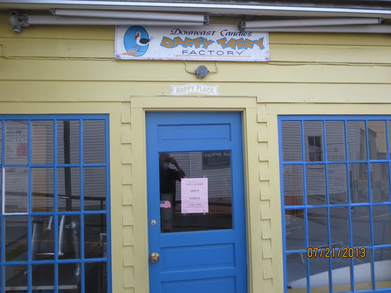 Downeast Ice Cream: side entrance