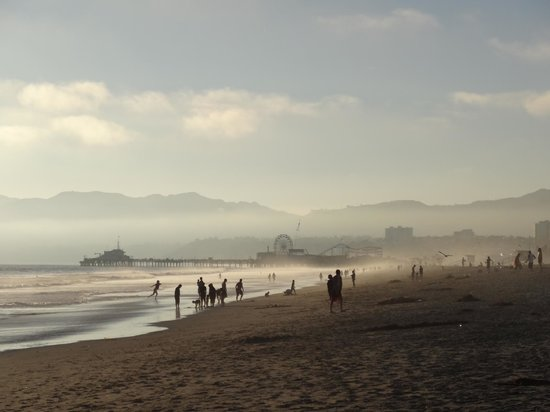 Santa Monica Beach : Looking toward The Santa Monica Pier on a stunning July evening.