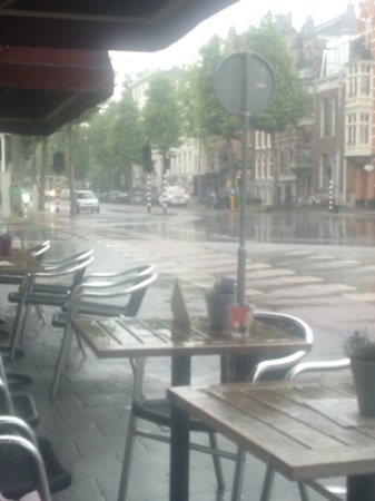Hampshire Hotel - Lancaster Amsterdam: This looking from a bar towards the hotel, on the only rainy day