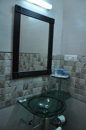 The Royal Court: bathroom