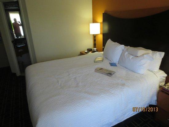 Fairfield Inn Portland Maine Mall : bed