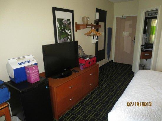 Fairfield Inn Portland Maine Mall: room
