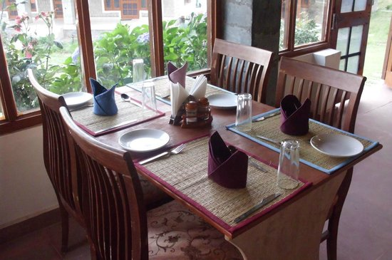 UNA Comfort The Great Himalayan Resorts: Restaurant