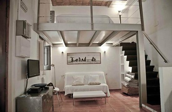 Barceloneta Suites: ground-floor loft