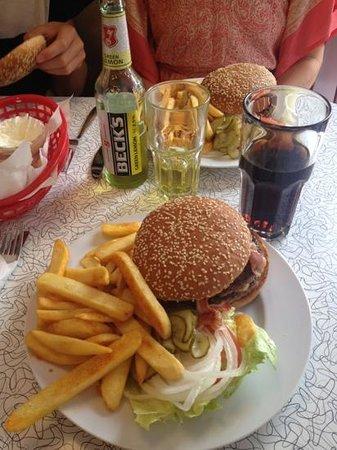 Mel's Diner: The dinner