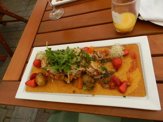 Moka cafe & restaurant: daily special (pork) - 15€!?!