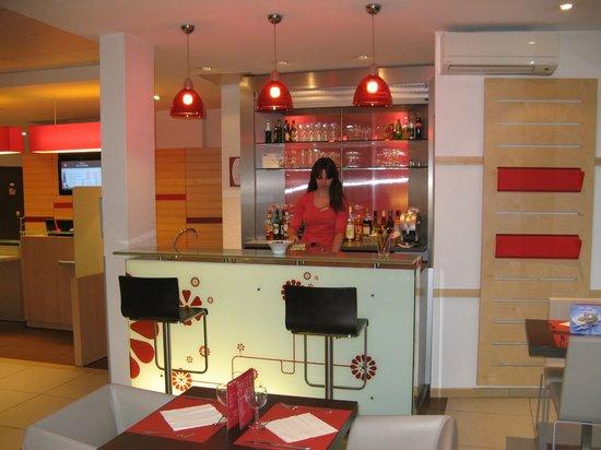 ibis brive hotel brive la gaillarde france voir les tarifs et 196 avis. Black Bedroom Furniture Sets. Home Design Ideas