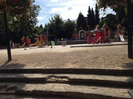 Chateau Mariadal : view of playground from deck