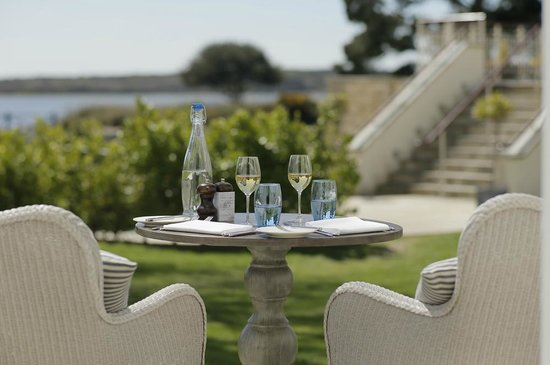 Christchurch Harbour Hotel & Spa: Garden View Room