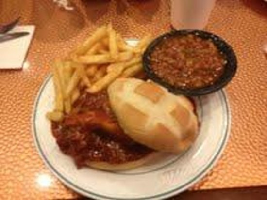 Top of Binion's Steakhouse: BBQ pulled pork with fries and beans (very nice)