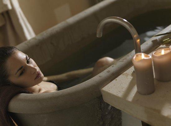 Lenna, Italy: Le vasche della regina margherita