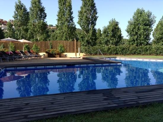 Hostalet de Begur : petit dejeuner face piscine