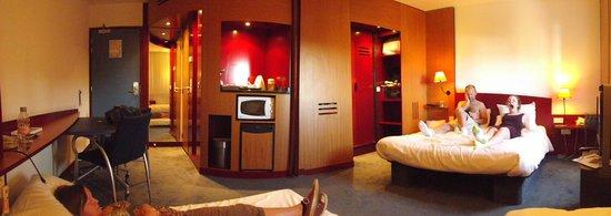 Novotel Suites Paris Nord 18eme: Our Family Suite