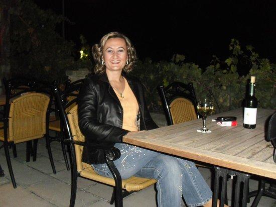 Yusuf Yigitoglu Konagi: lezzetli kapadokya şarapları eşliğinde ürgüp manzarası