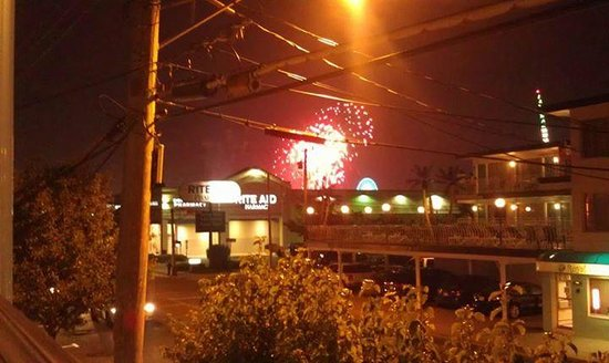 Marlane Motel: Friday Night Fireworks from our Deck at The Marlane