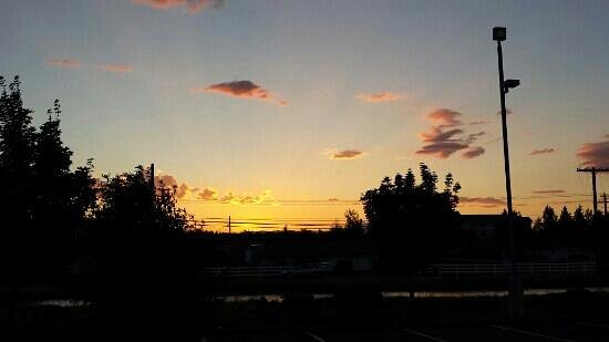 Motel 6 Redmond: sunset at Motel 6