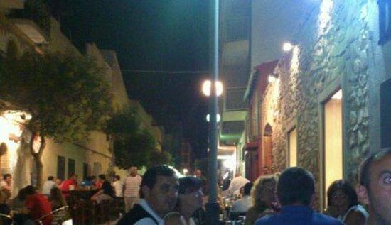 El Corralet: De noche