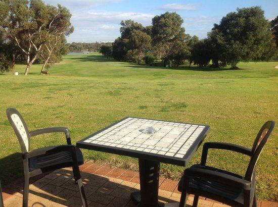 Mercure Sanctuary Golf Resort: Room- Outdoor overlooking fairway