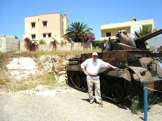 Panayia Evanyelistria Cathedral and Museums : There was tanks
