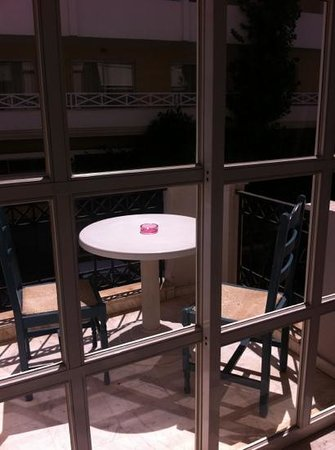 Constantin Apartment Hotel : the balcony