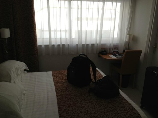 Hotel Continental: Room