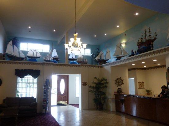 Ocean View Inn & Suites: Lobby