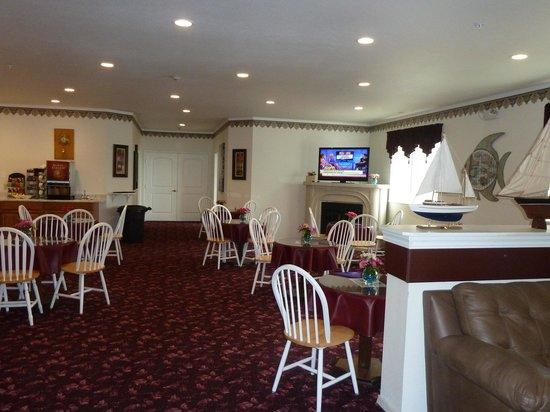 Ocean View Inn & Suites: Free Continental Breakfast Area