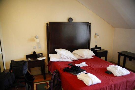 Hotel Bracara Augusta: the bed