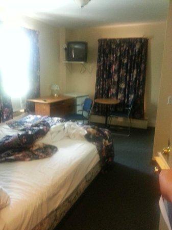 Hotel Viger: 2 person room