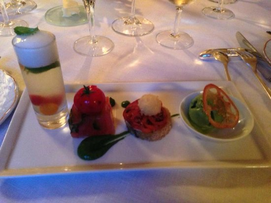 Hambleton Hall: Assiette of tomatoe and goats cheese = superb!